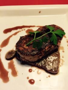 牛肉とフォアグラのロッシーニ風